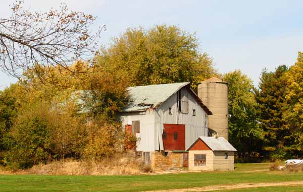 Old Barn at Sauk Valley College